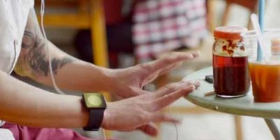 iWatch Appears On iPhone 5 TV Ad?