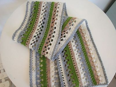 Free Crochet Pattern Striped Scarf : free crochet scarf pattern (horizontal stripe shawl by P ...