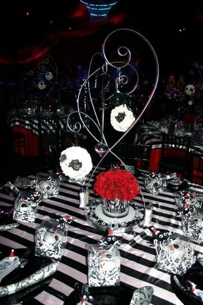 nightmare before christmas centerpiece - Nightmare Before Christmas Wedding Decorations