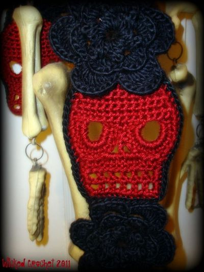 All Free Crochet Crochet Men s Skull Scarf Pattern : crochet scarf patterns Skull Scarf Crochet Pattern ...