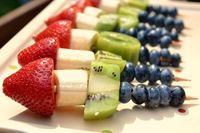 Bananaberry-Kiwi Kabobs- COULD ADD GRAPES AND BIG MARSHMALLOWS ALSO...YUM!