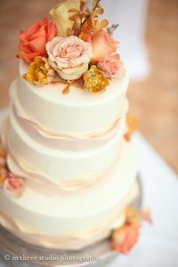 Flower Adorned Wedding Cakes, Wedding Cakes Photos by Belle Fiori