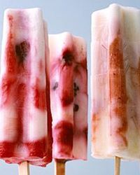 More Martha Pops! Blackberry Tie-Dye Pops, blackberries, lemon juice and yogurt, easy peasy!