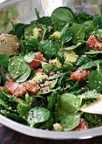 Spinach salad with quinoa, avocado and grapefruit...Yum overload.