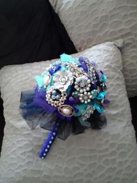 My DIY brooch bouquet : wedding black bouquet purple silver teal Round One Without Silver Trim 2