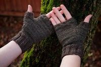 Jonathan & Chelsea: #Knitting Patterns #FREE #FINGERLESS #GLOVES #PDF