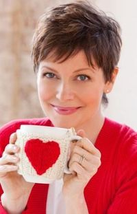 Show your knitting peeps how much you care with this quick, easy and free pattern download. http://knitting.craftgossip.com/free-pattern-valentines-heart-mug-cozy/2012/02/09/ It will even make your coffee, tea or hot cocoa taste better!