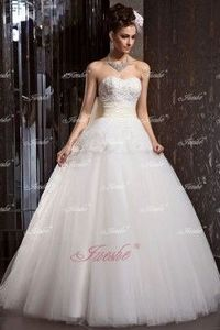 Lace Appliqued Ball Gown Strapless Tulle Wedding Dress with Colored Sash