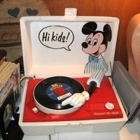 mickey mouse, record player