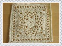 granny square with flower white