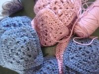 Can Crochet Help People with OCD? Crochet used as a refocusing tool can be particularly useful for people who typically engage in compulsive behaviors that require the use of their hands. Makes sense to me,,,,