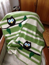Ravelry: Owl Baby Blanket pattern by Abby Cove.