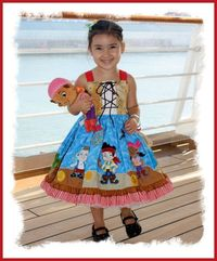 An amazing dress. Going to have to figure out how to make a boy version for Mason's birthday outfit.